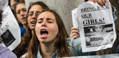 População pede para que meninas sejam devolvidas