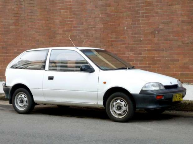 Suzuki SA310 1989 - Ocupando outro lugar na lista, a segunda geração do SA310 era econômica, mas um pouco menos: 16,1 km/l na cidade e 19,1 km/l na estrada.