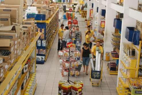Consumo perde força como motor da economia