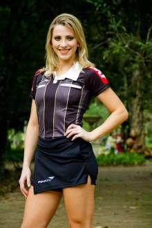 Musa da arbitragem Fernanda Colombo não troca carreira no futebol pela de modelo