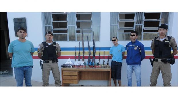 Norte de Minas - Em Mirabela, PM preende 10 armas de fogo