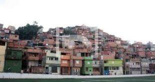 200 famílias saíram de casa pelo risco de desabamento, no Jardim Ibirapuera, zona sul de São Paulo