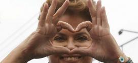 Brasil - Presidente Dilma faz homenagem ao dia das mães no Twitter