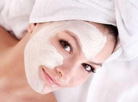 Uso em excesso dos ácidos pode envelhecer a pele, em vez de rejuvenescer. Pelo menos é o que garante um estudo publicado pelo Journal of Dermatology