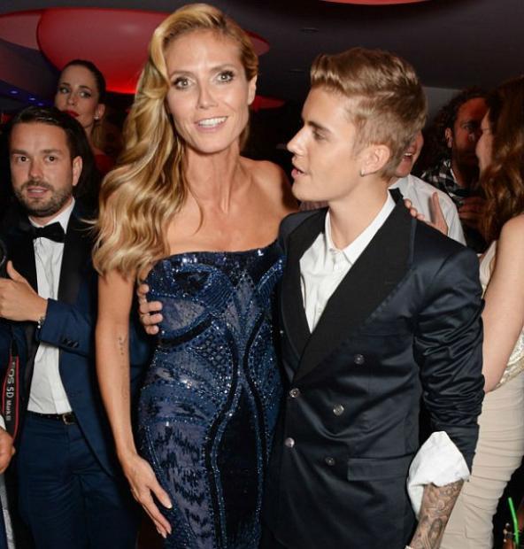 Heidi e Justin durante a festa em Cannes (Foto: Reprodução/Instagram)