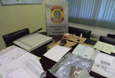 Quadrilha falsificava documentos utilizados para tirar visto consular de entrada em países como EUA e Canadá