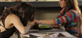 Marina e Clara conversam em clima de intimidade