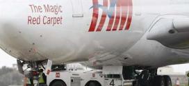 Avião da TAM A340-500 no aeroporto internacional de Malta; funcionários do grupo Latam, composto pelas aéreas TAM e LAN, ameaçam entrar em greve às vesperas da Copa do Mundo