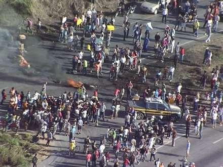 MG - Em menos de 7 dias, manifestantes tentam fechar BR-040 pela 3ª vez
