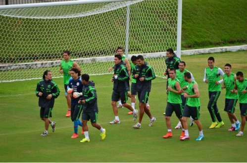 Seleção mexicana tem um bom contra-ataque. Foto: AFP