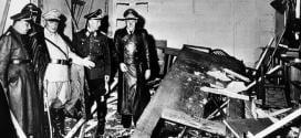 Em 20 de julho de 1944, militar liderou um atentado em nome do movimento de resistência, do qual faziam parte vários oficiais. Hitler ficou apenas ferido na explosão da bomba em seu quartel-general.