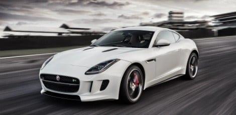 A Jaguar já havia lançado o F-Type conversível em agosto do ano passado. Apresenta agora a linha cupê