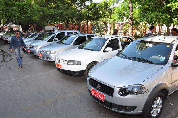 Montes Claros - MCTrans cria novos pontos de táxi em Montes Claros