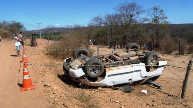 MG - Homem morre em grave acidente em Araçuaí