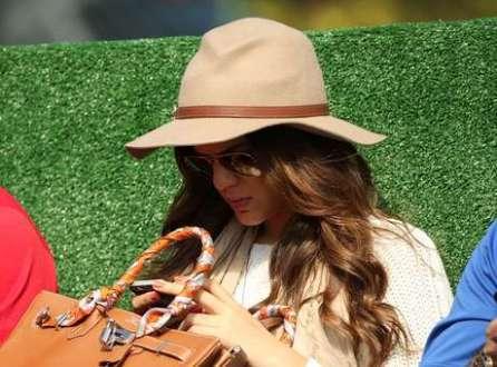 A atriz Bruna Marquezine acompanhou o treinamento da Seleção Brasileira na manhã deste domingo, na Granja Comary.