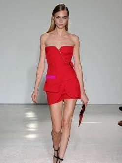 Aos 21 anos, a britânica Cara Delevingne é definitivamente a modelo mais badalada do momento.