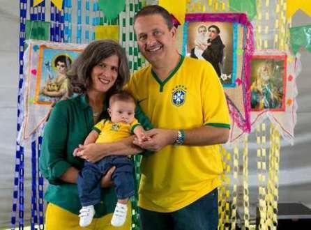 Eduardo Campos (PSB) acompanhou o jogo com a família no agreste pernambucano