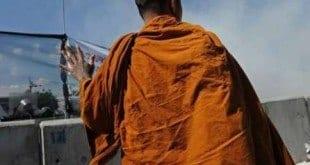 O monge foi condenada a 5 anos e meio de prisão por ter abusado da adolescente