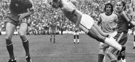 Marinho estava internado em estado grave devido a uma hemorragia digestiva; na foto, lance do jogo contra a Holanda na Copa de 74