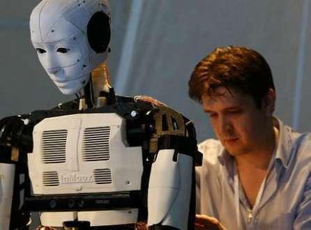 Alguns especialistas acreditam que robôs podem substituir humanos em certas tarefas