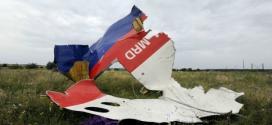 Rebeldes ucranianos entregam caixas-pretas de avião abatido