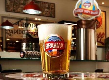 Aumento no volume de cervejas ajudou o lucro da Ambev a crescer 15,9% no segundo trimestre deste ano