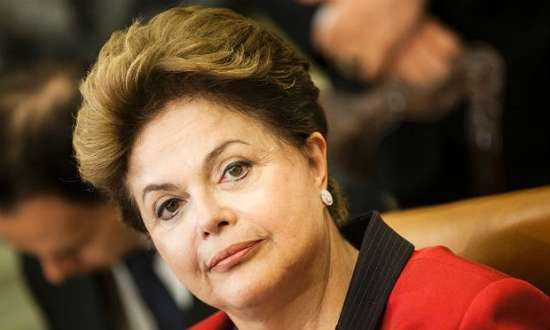 Dilma usou a demanda de profissionais dos Mais Médicos em SP para alfinetar Aécio