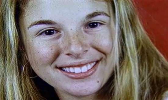 Suzanne foi acusada pela morte dos pais, Manfred Albert e Marísia Von Richtofen, em outubro de 2002.