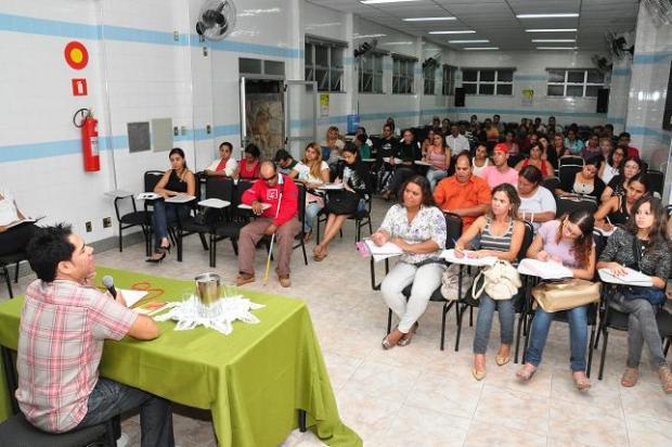 Educação - Começaram as aulas do Pré-Enem Municipal em Montes Claros