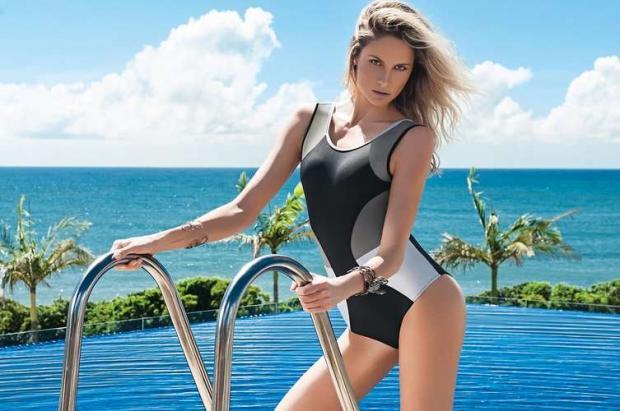 A modelo Barbara Beluco foi clicada em Camburiú (SC) para a campanha de verão da marca Larissa Minatto