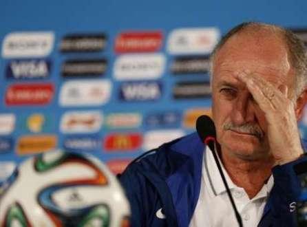Técnico da seleção brasileira, Luiz Felipe Scolari, durante derrota contra a Holanda