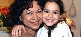Foto de Manoelita Lustosa, em 2003, com Bruna Marquezine, quando a atriz interpretava avó da menina