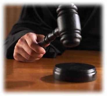 MG - Escrivã é condenada a 14 anos de prisão por desvio de de R$ 650 mil de contas judiciais