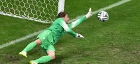 Goleiro Krul foi o herói da partida. Foto: AFP