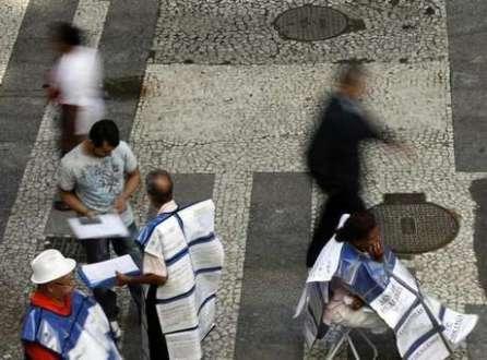 Em junho, mês em que teve inicio a Copa do Mundo no  Brasil, foram gerados no país 25.363 empregos