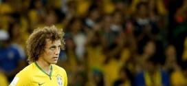 Copa 2014 - Poupado em humilhação, David Luiz vê sofrimento