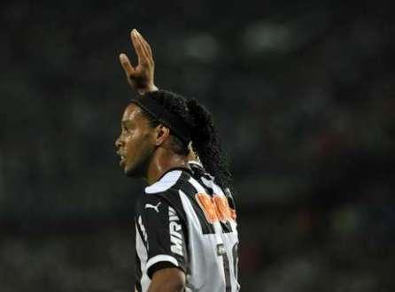 Ronaldinho usou o Twitter para se despedir do Atlético-MG