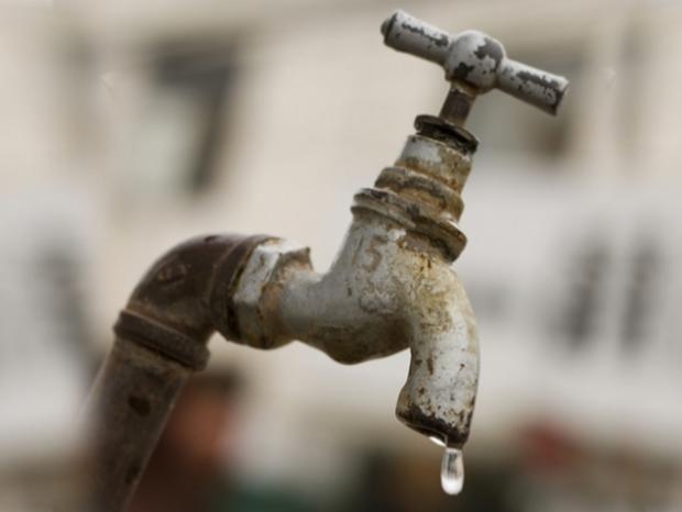 MG - Moradores de Pará de Minas protestam contra racionamento de água