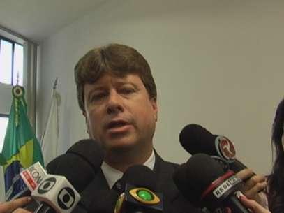 Com este ato, o chefe da PCMG, Oliveira Santiago Maciel, desautorizou ao Corregedor geral da Polícia Civil de Minas Gerais, Renato Patrício Teixeira (foto)