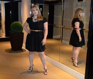 Ex-paquita Pituxita da Xuxa, Ana Paula Almeida estrela seu primeiro editorial de moda plus size como garota-propaganda da Realist Plus. A modelo apresenta as novidades de primavera-verão 2014/2015 da grife