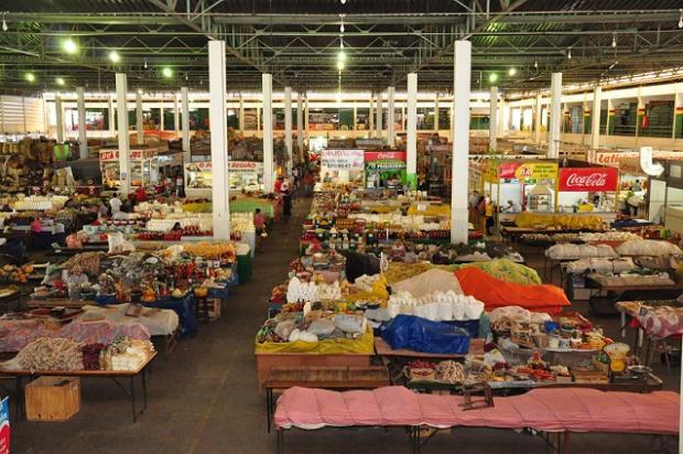 Montes Claros - Mercado Municipal fecha nesta terça para limpeza geral