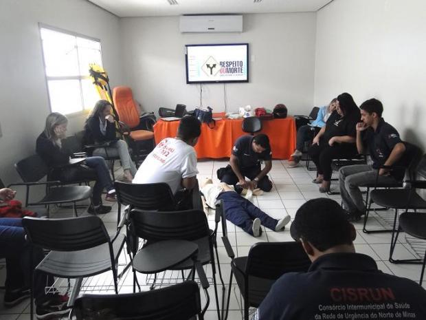 Norte de Minas - SAMU Macro Norte realiza treinamento para funcionários administrativos
