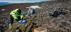Neste domingo, um terremoto de 5,1 e outro de 5,3 graus na escala Richter abalaram o vulcão