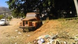 MG - Corpo de mulher é encontrado nu embaixo de caminhão