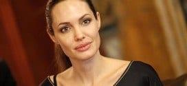 Cinema - Angelina Jolie dirigirá filme sobre caça de elefantes na África