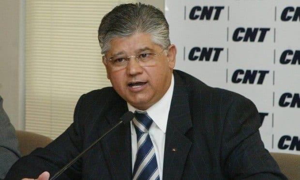 Ex-Senador Clésio Andrade depõe no MP e nega envolvimento em desvio de dinheiro
