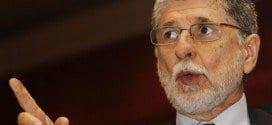 O ministro da Defesa, Celso Amorim, encaminhou à Comissão Nacional da Verdade (CNV) ofícios das três Forças Armadas admitindo, pela primeira vez, que não têm condições de negar a ocorrência de graves violações aos direitos humanos em instalações militares durante a ditadura.