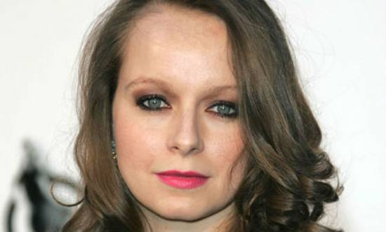 Em uma entrevista ao jornal The Guardian, Samantha explicou ter sido agredida sexualmente por dois funcionários do lar de Nottingham (Inglaterra), onde morava