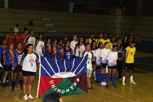 """Montes Claros - Abertura dos """"Jogos Universitários"""" foi realizada no Ginásio Darcy Ribeiro"""