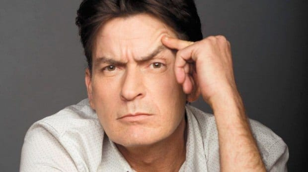 "TV - Charlie Sheen pode participar de ""Two And a Half Men"""